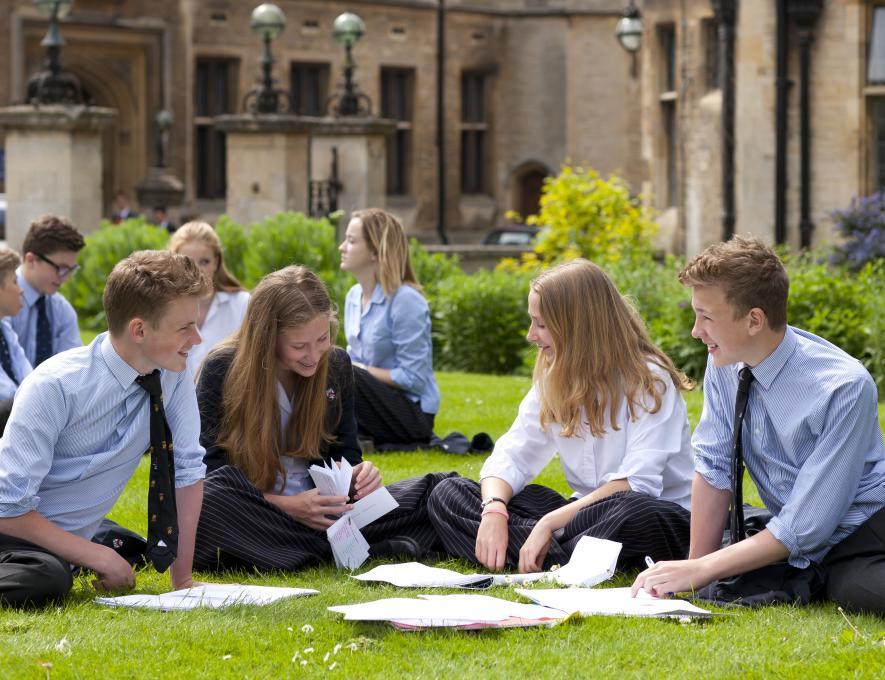 Как выбрать школу в Англии?